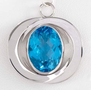 Blue_Topaz_Sterling_Silver_Pendant