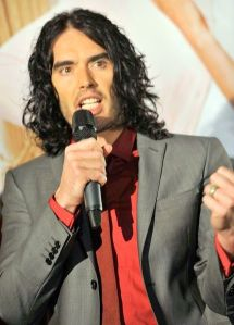 Russell_Brand_Arthur_Premier_mike